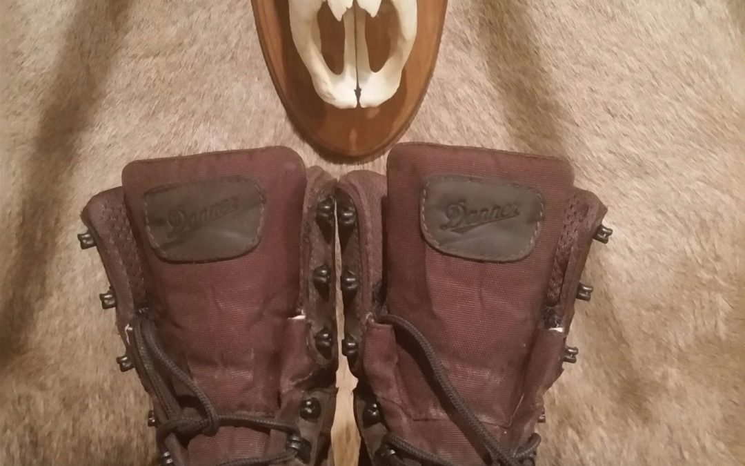 Elk Hunting Boots – 5 Essential Features [Video]